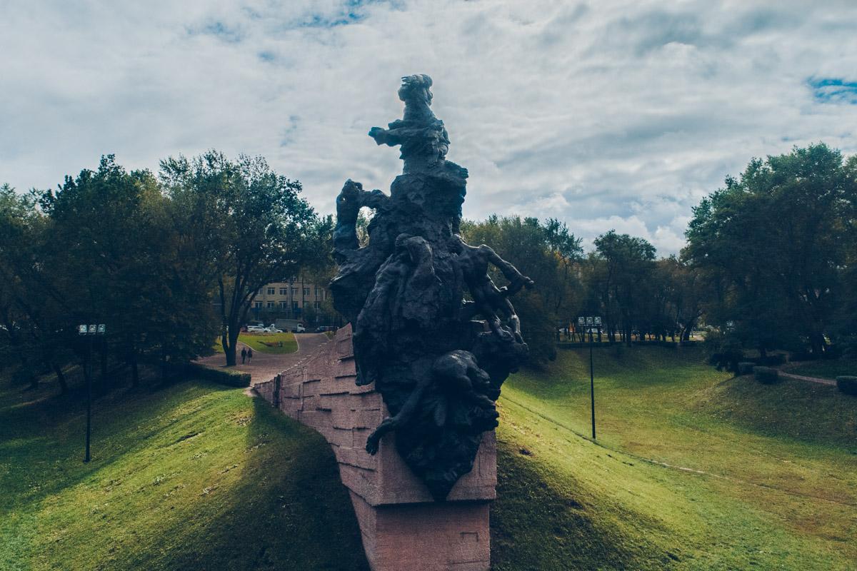 В Бабьем Яру установлены памятники почти всем нациям, которые пострадали от геноцида