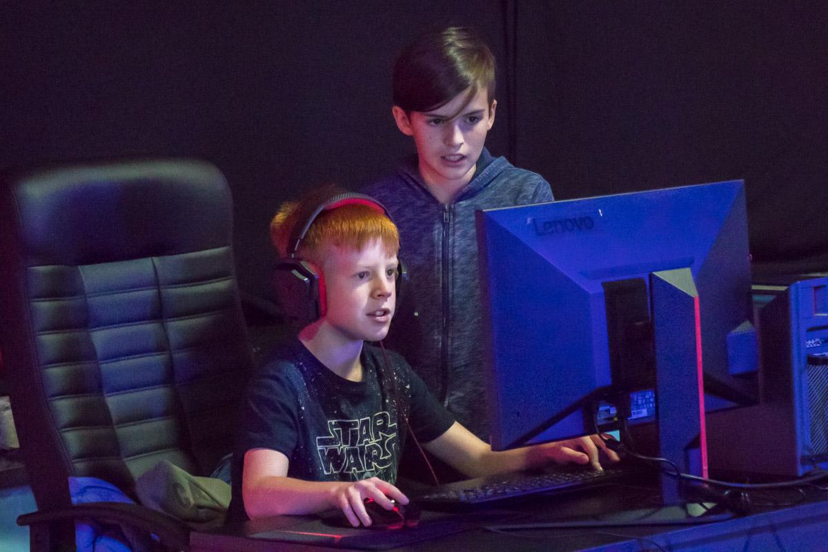 Ребята сражаются в PlayerUnknown's Battlegrounds