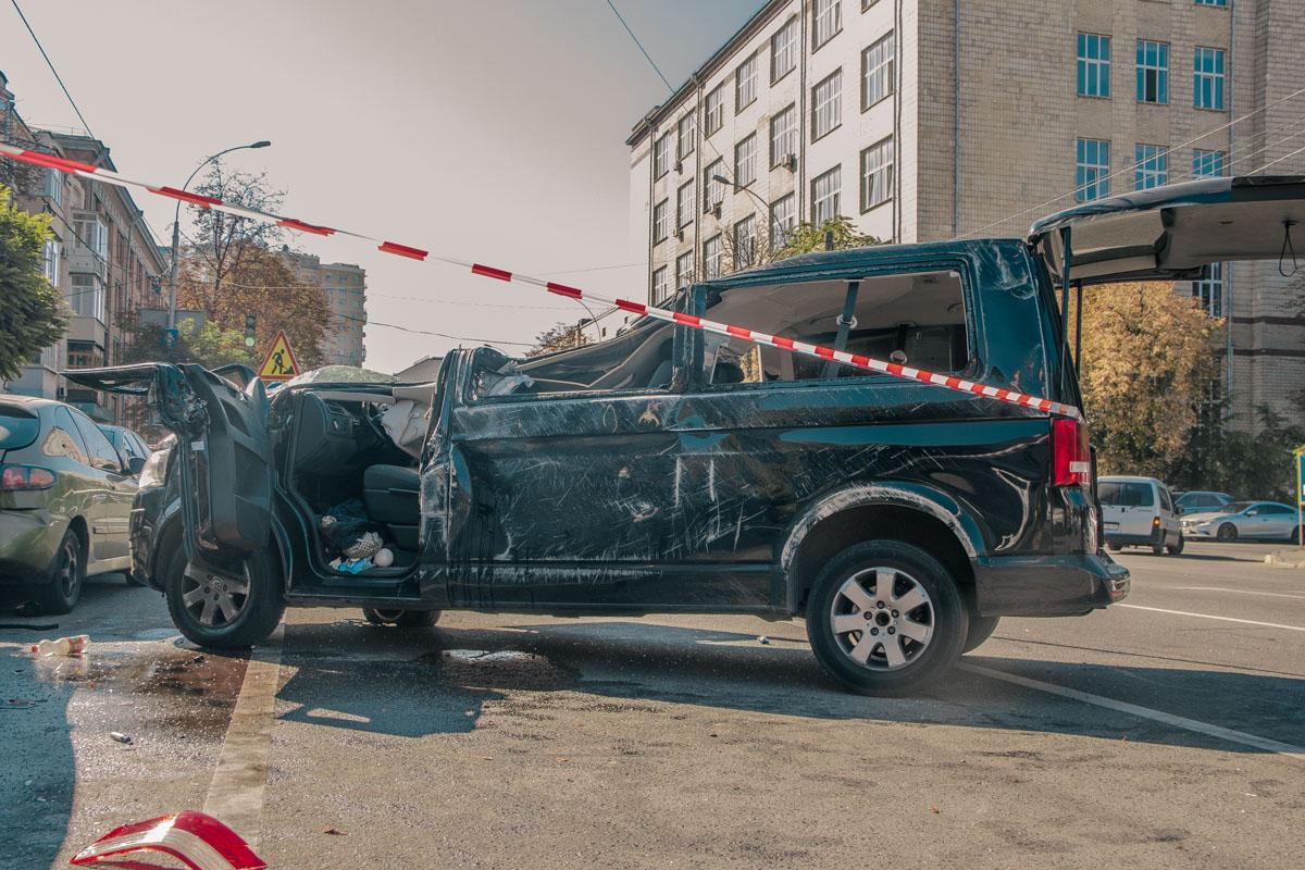 19 сентября, в Киеве на перекрестке улиц Антоновича и Деловая произошло серьезное ДТП с пострадавшими