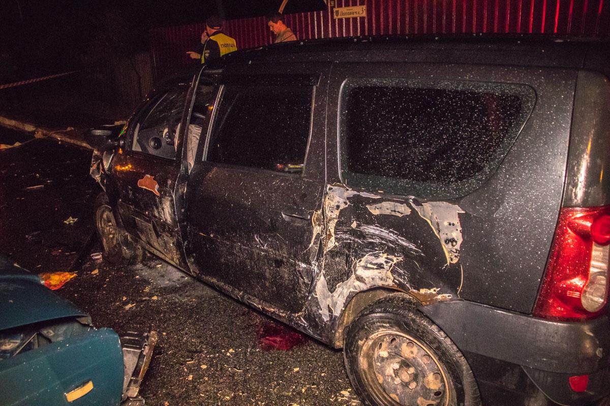 Из под Dacia достали пассажира Opel, также водитель Logan госпитализирован в больницу