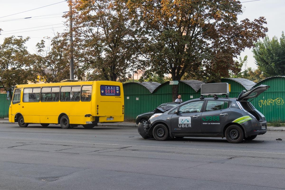 Оба автомобиля двигались в сторону проспекта Правды