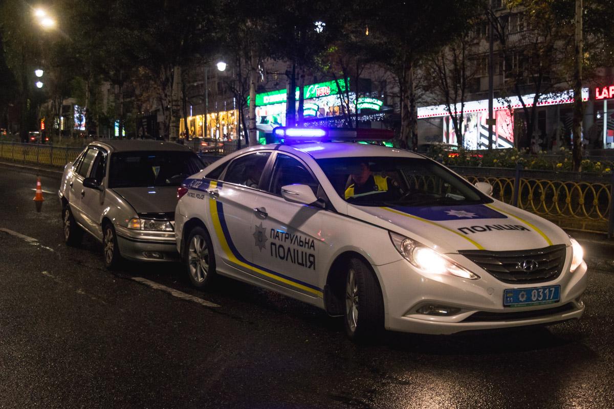 10 сентября на бульваре Леси Украинки, 7 произошло двойное ДТП с участием патрульной полиции