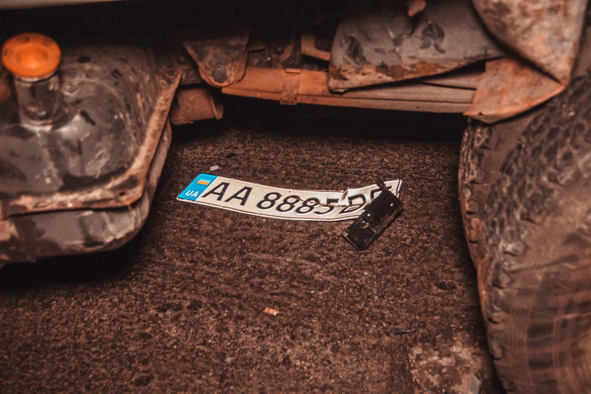 Номер Toyota остался под Газелью