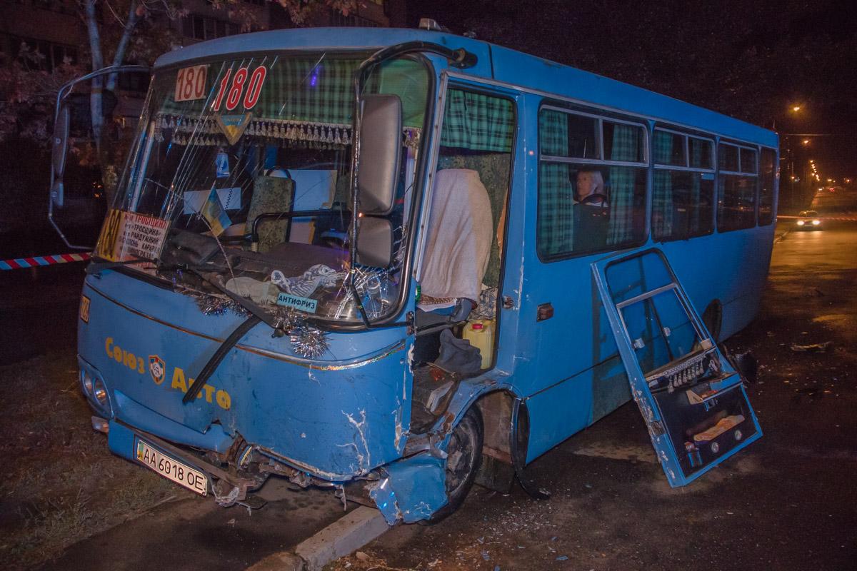 Пострадал водитель автобуса