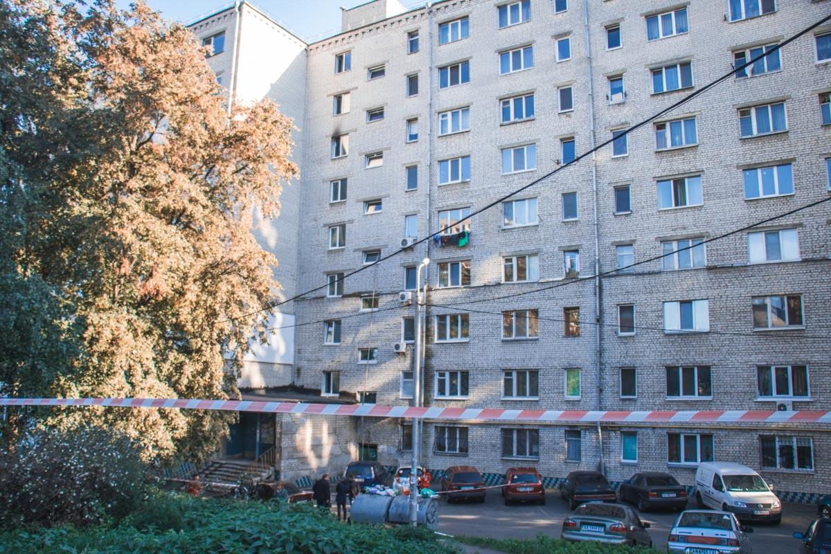 В воскресенье, 30 сентября, в Киеве по адресу улица Елены Телиги, 57 произошел пожар