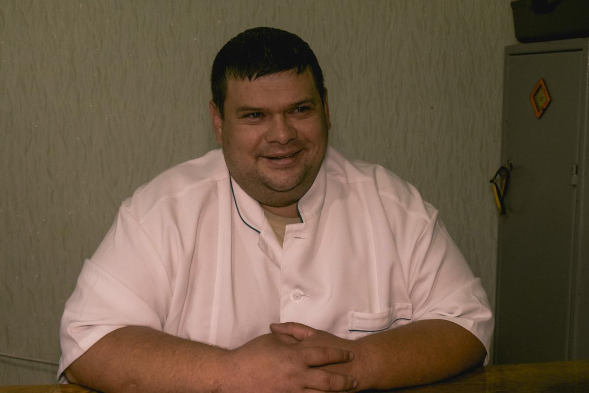 Руководитель центра Олег Селиванов рассказал, что 12 сентября полицейские в масках ворвались в здание без объяснения причины