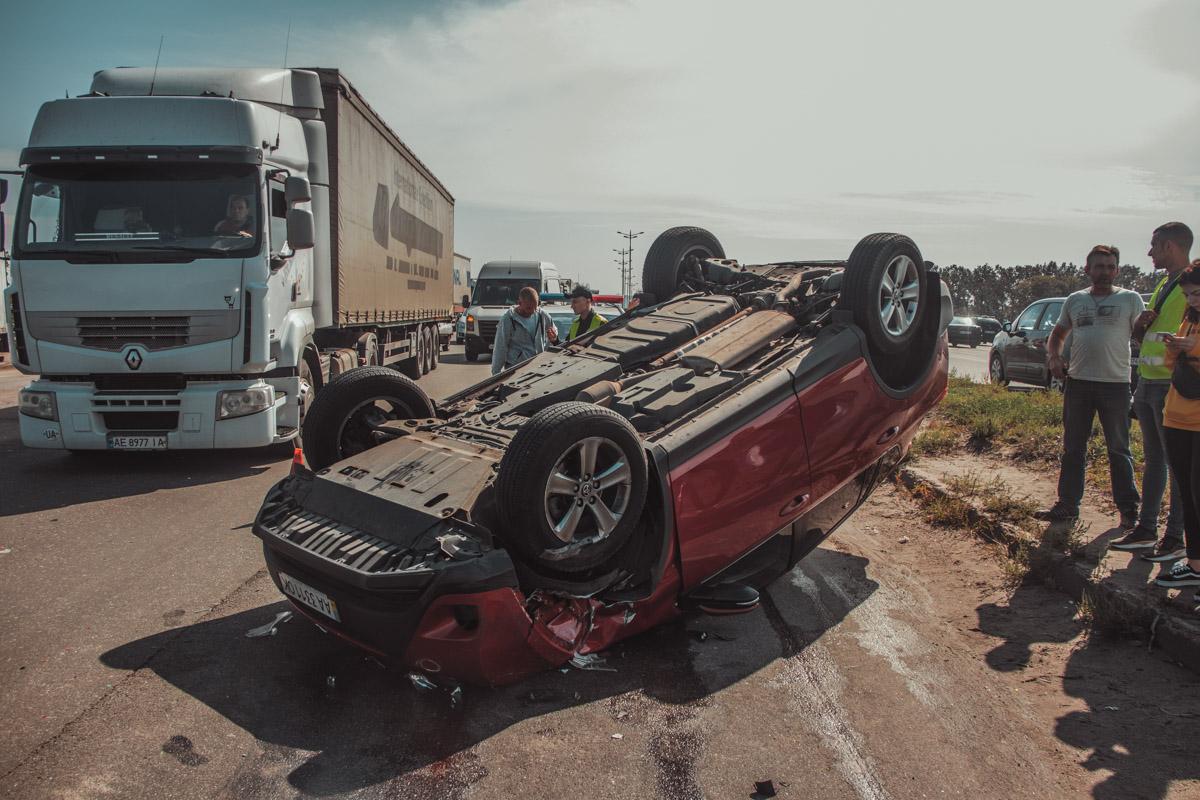 В машине не сработала ни одна подушка безопасности, но пострадавших, к счастью, нет.
