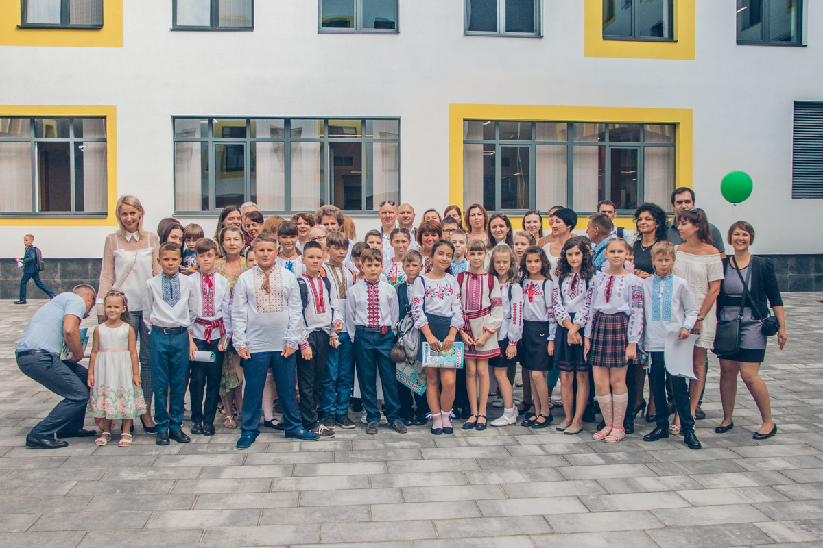 Школа рассчитана на 1,5 тысячи учеников