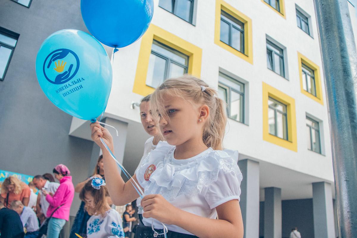 """Глава города отметил, что власть стремиться все школы Киева сделать такими, везде применять технологию """"Умный дом"""""""