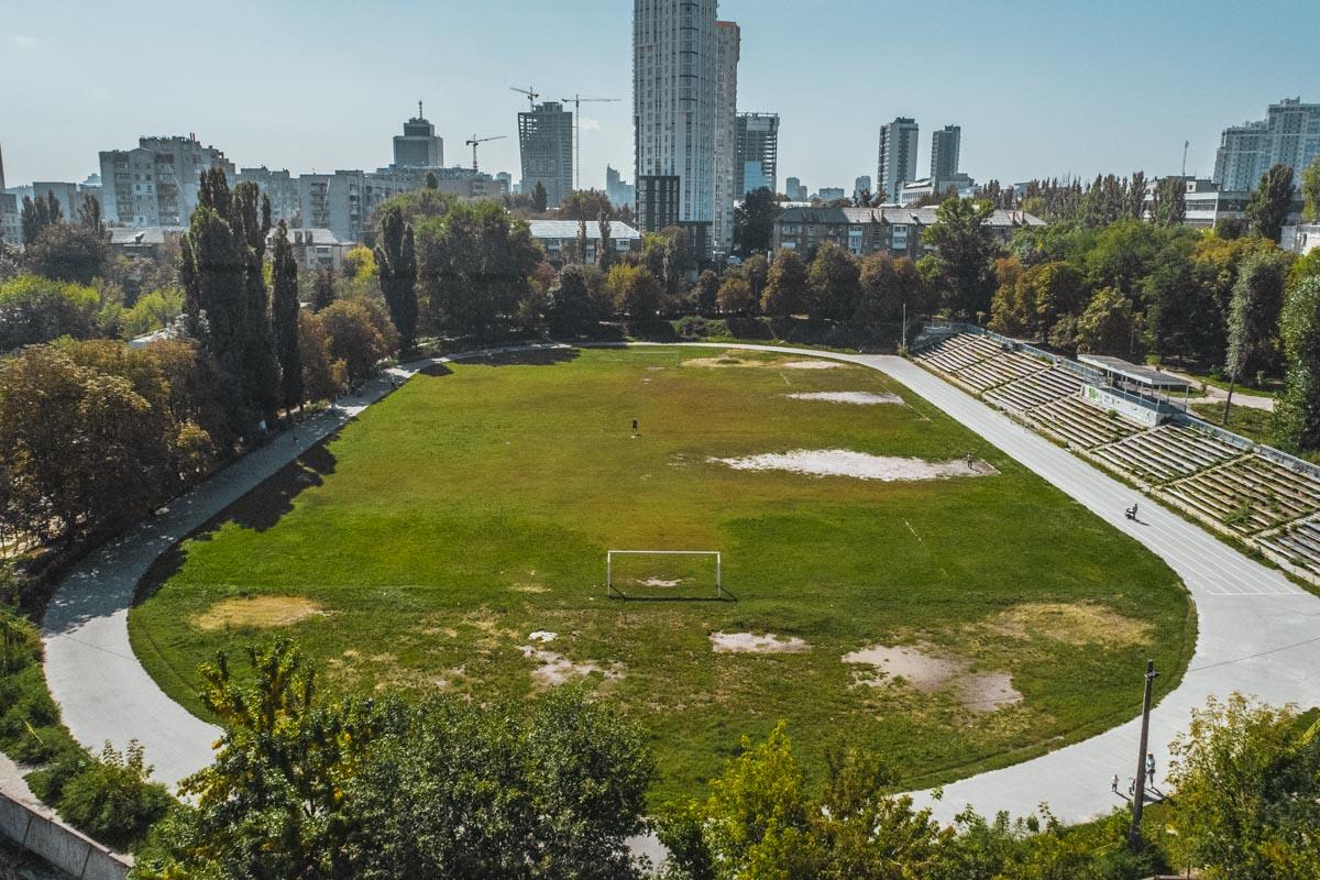 Скоро стадион восстановят и откроют уже обновленным