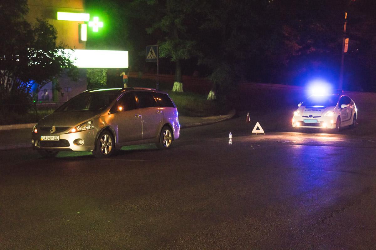2 сентябряпо адресу Евгения Коновальца, 33 Mitsubishi сбил девушку на пешеходном переходе