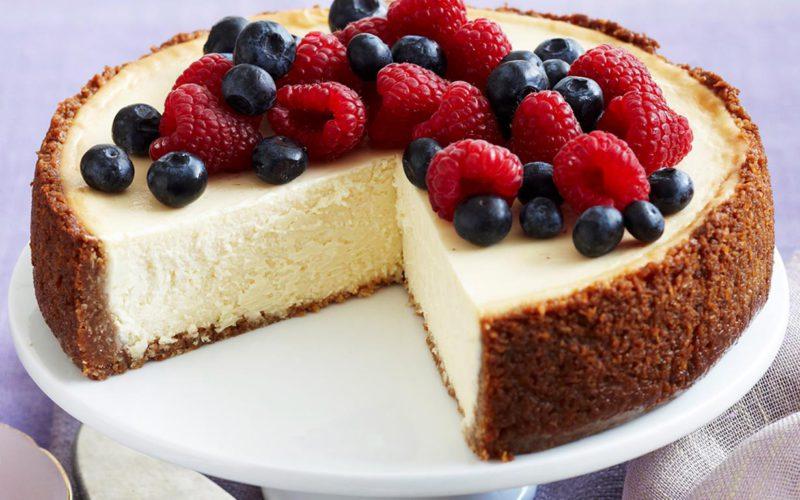 Торт с чизкейком внутри