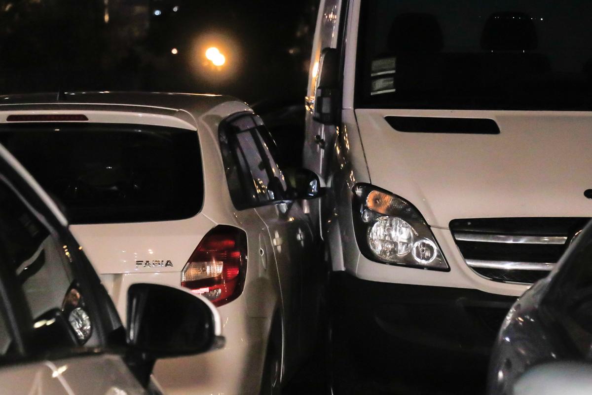 Таксист Uklon врезался с припаркованный Sprinter