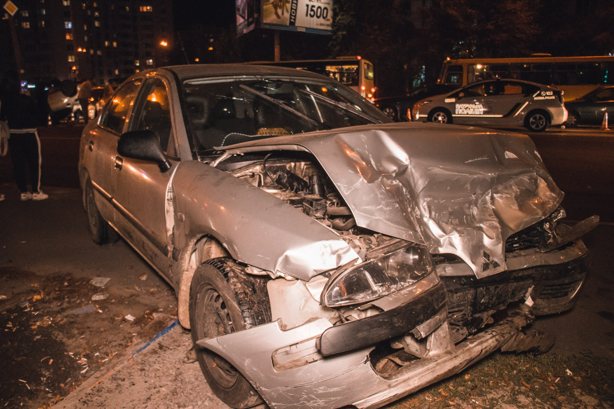 В результате ДТП пострадала девушка из Mitsubishi