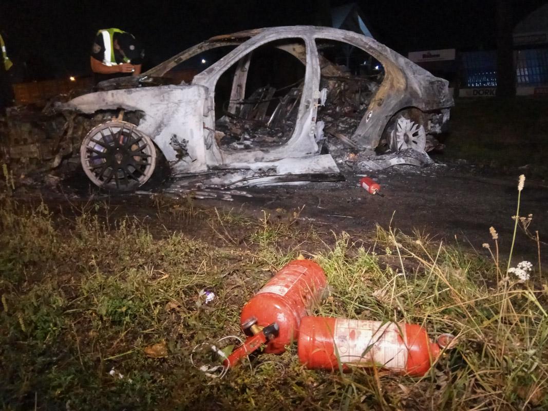 Обошлось без пострадавших, однако автомобиль сгорел дотла