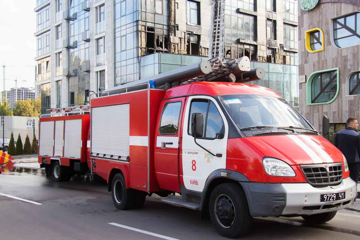 В тушении огня задействовали 8 машин спецтехники. К счастью, обошлось без пострадавших