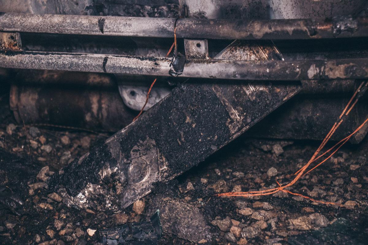 Больше всего досталосьSuzuki SX4 - автомобиль выгорел практически полностью