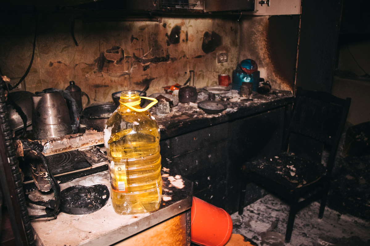 Комната выгорела практически дотла
