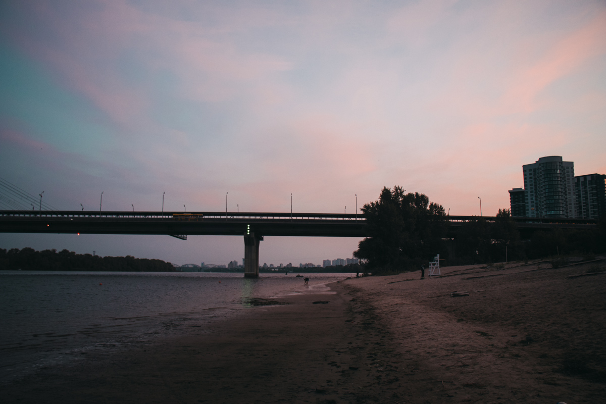 На пляжах еще пусто