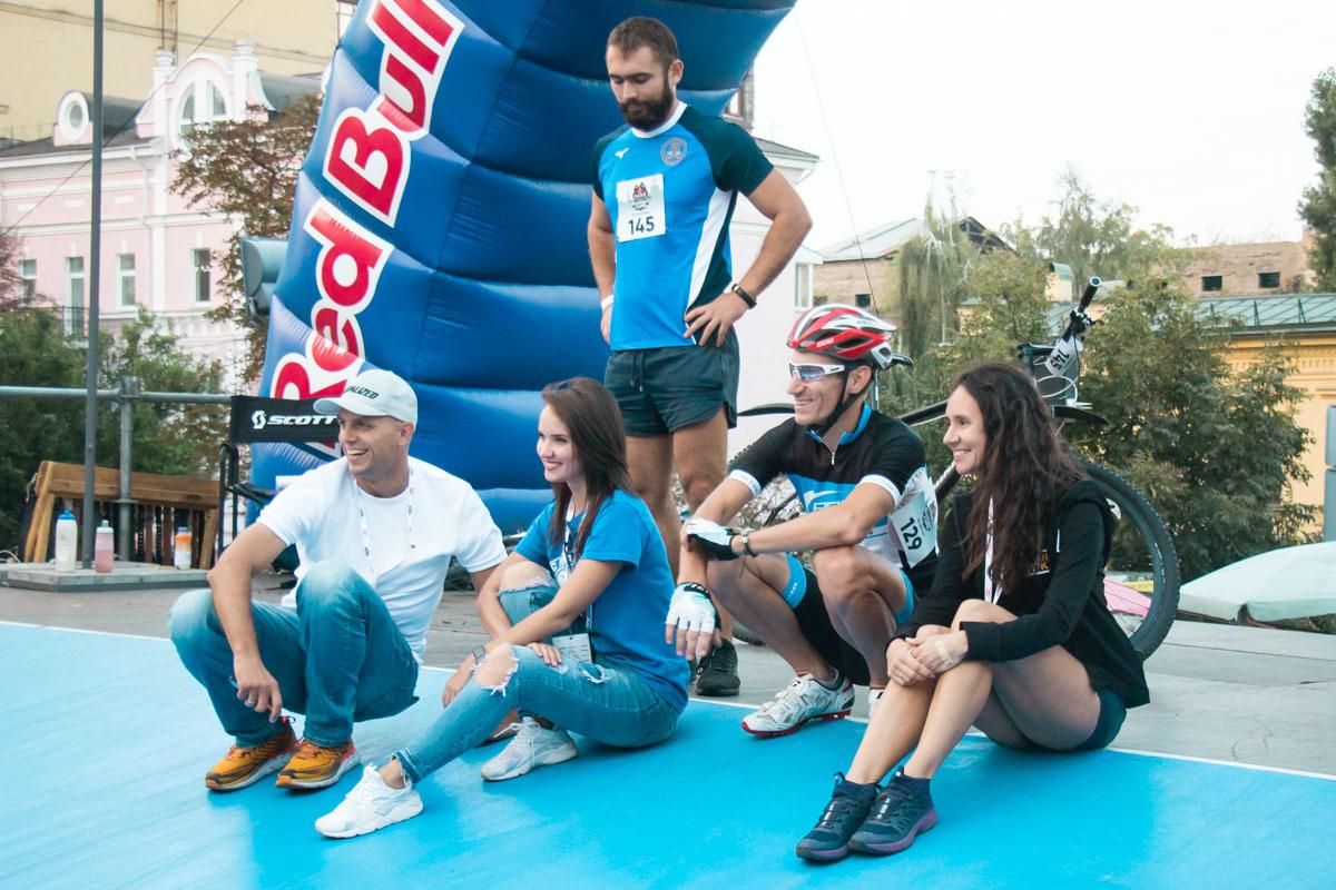 В Киеве на Андреевском состоялись велогонкиRed Bull Властелин горы