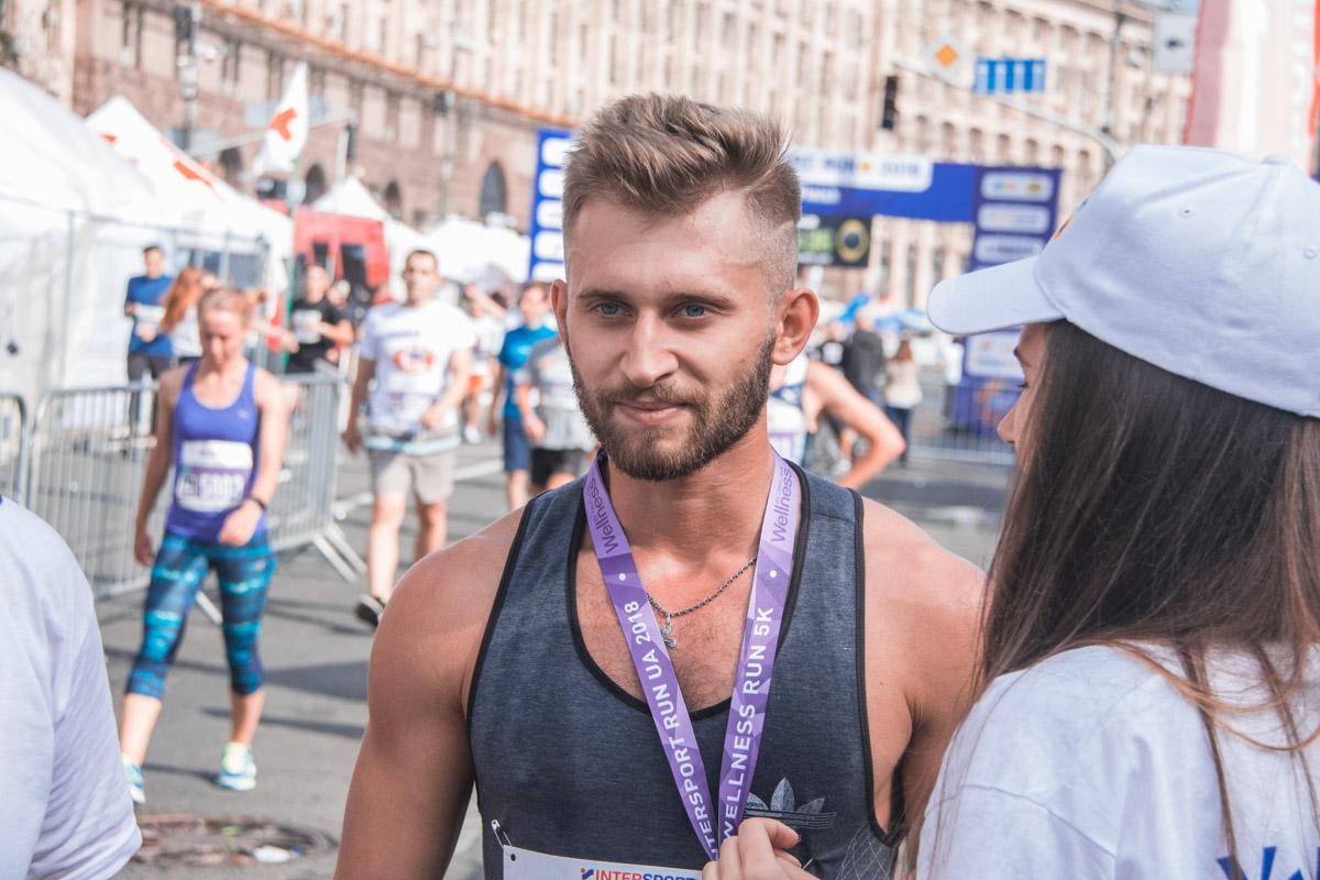 В беговых соревнованиях участие приняли около 6 тысяч человек из 12 стран мира