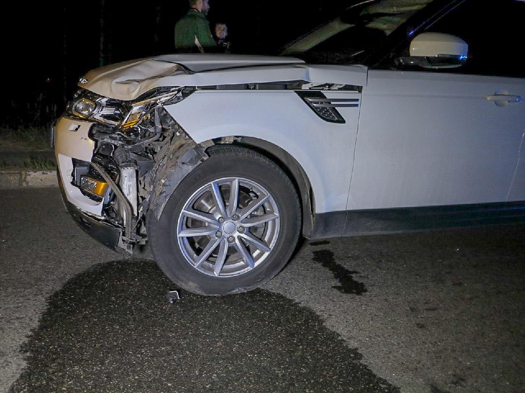 Мужчина за рулем внедорожника не успел вовремя затормозить и сбил пешехода-нарушителя