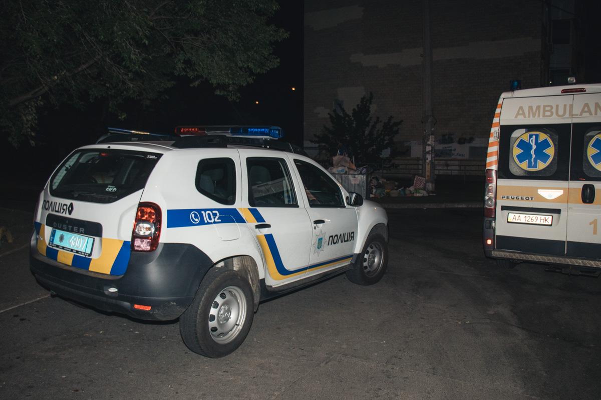 """На место выезжал """"КОРД"""", патрульные, следственно-оперативная группа и медики"""
