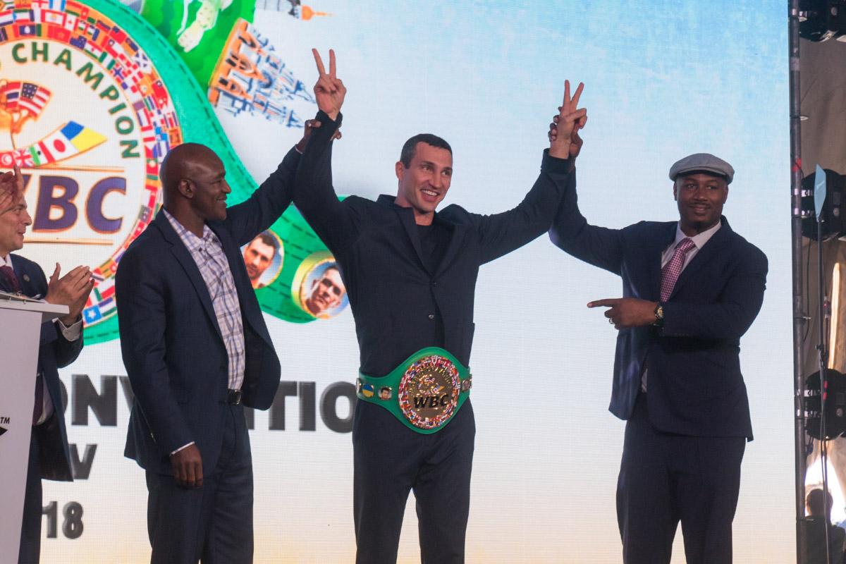 Владимир Кличко стал обладателем чемпионского пояса WBC