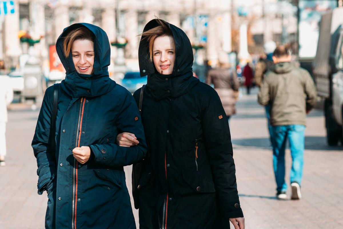 Все жители города Киев - одинаково счастливые. В буквальном смысле слова!
