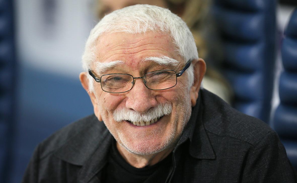 в 83 года Армен Джигарханян продолжает руководить театром, проводить изнурительные репетиции и оставаться при этом абсолютно счастливымв 83 года Армен Джигарханян продолжает руководить театром, проводить изнурительные репетиции и оставаться при этом абсолютно счастливым