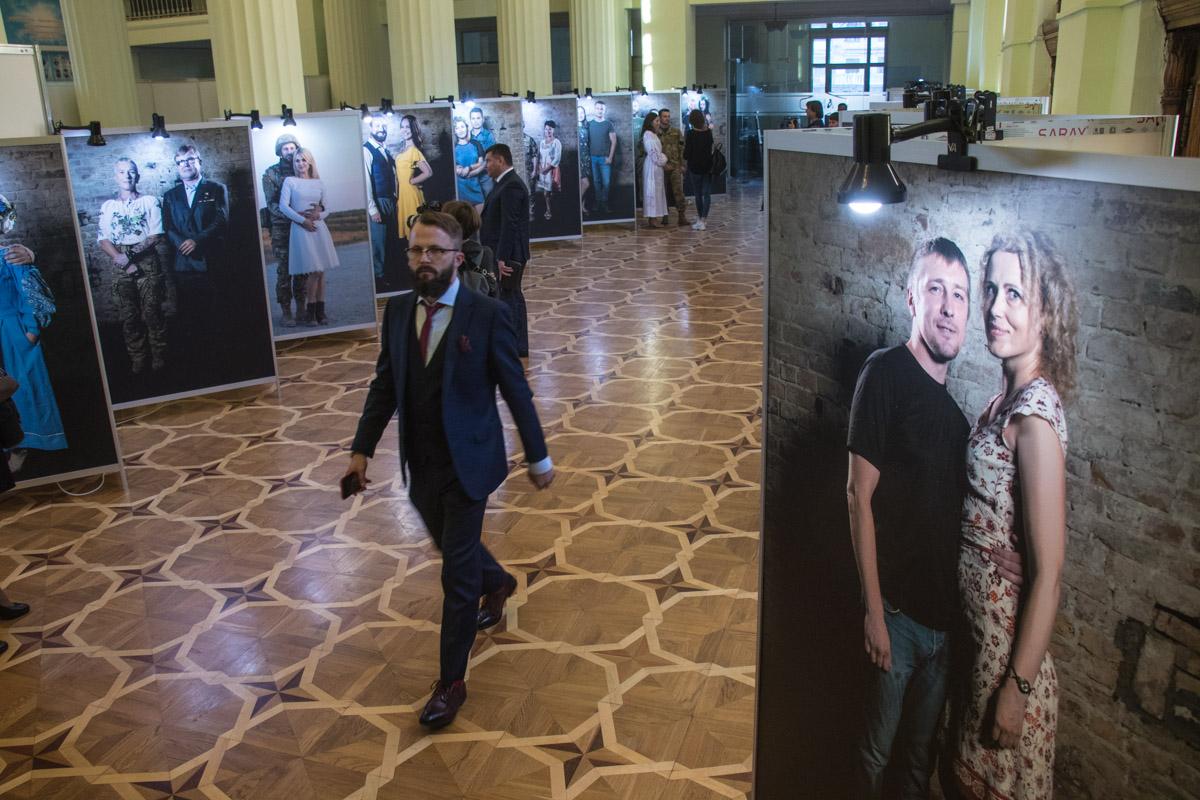 На мероприятии можно было посмотреть экспозицию из фотографий военных
