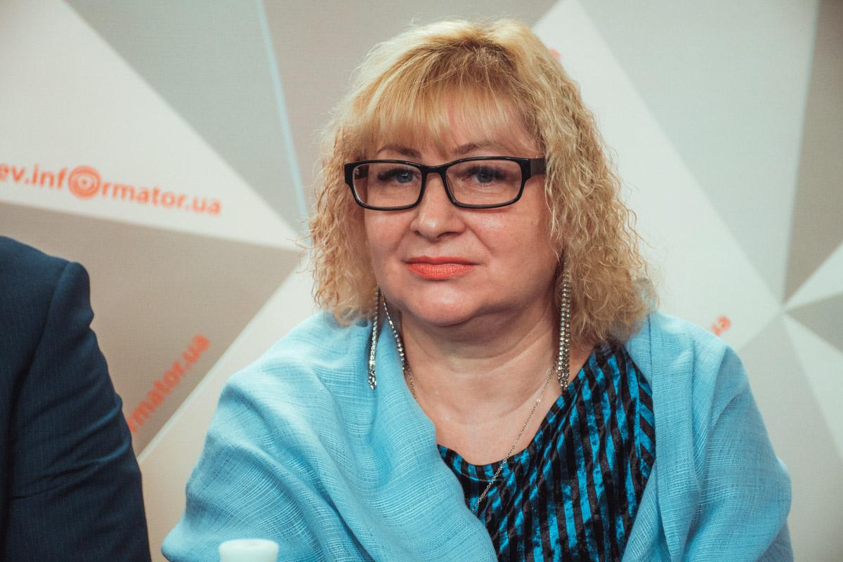 Ольга Черняева из Департамента образования рассказала о учебных тревогах в школах