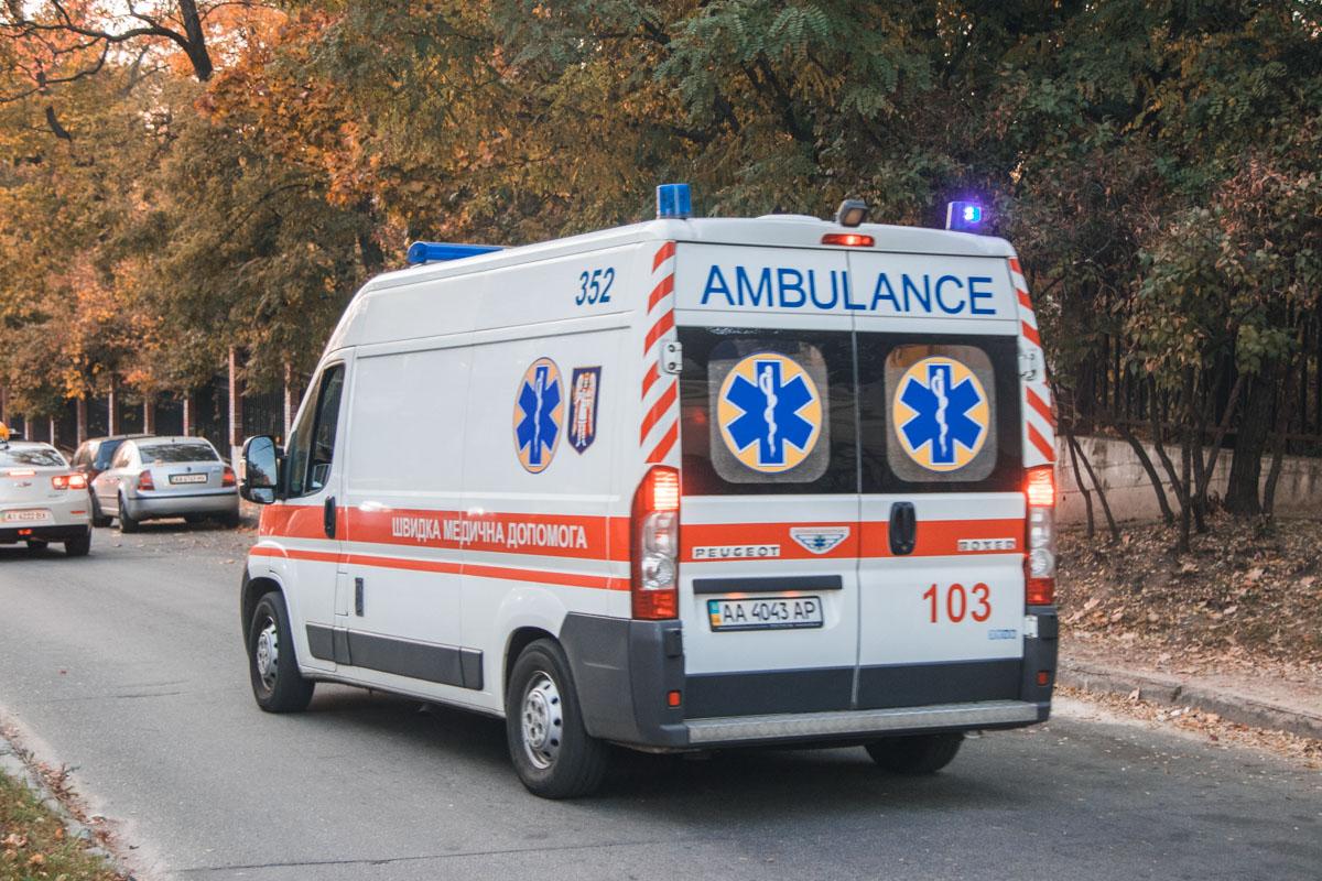 Пожилая женщина не успела увернутся от внедорожника и от удара получила черепно-мозговую травму