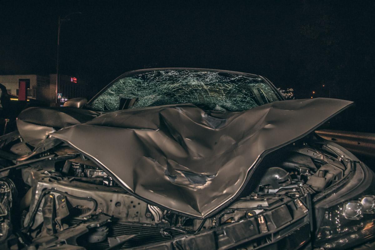 От удара серьезные повреждения получил автомобильHonda