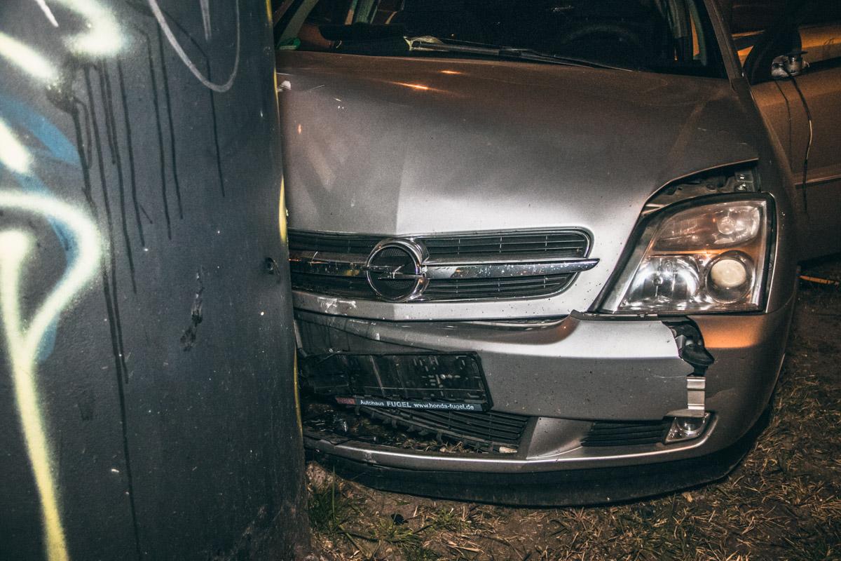 На проспекте Победы произошла авария с участием автомобиляOpel на еврономерах