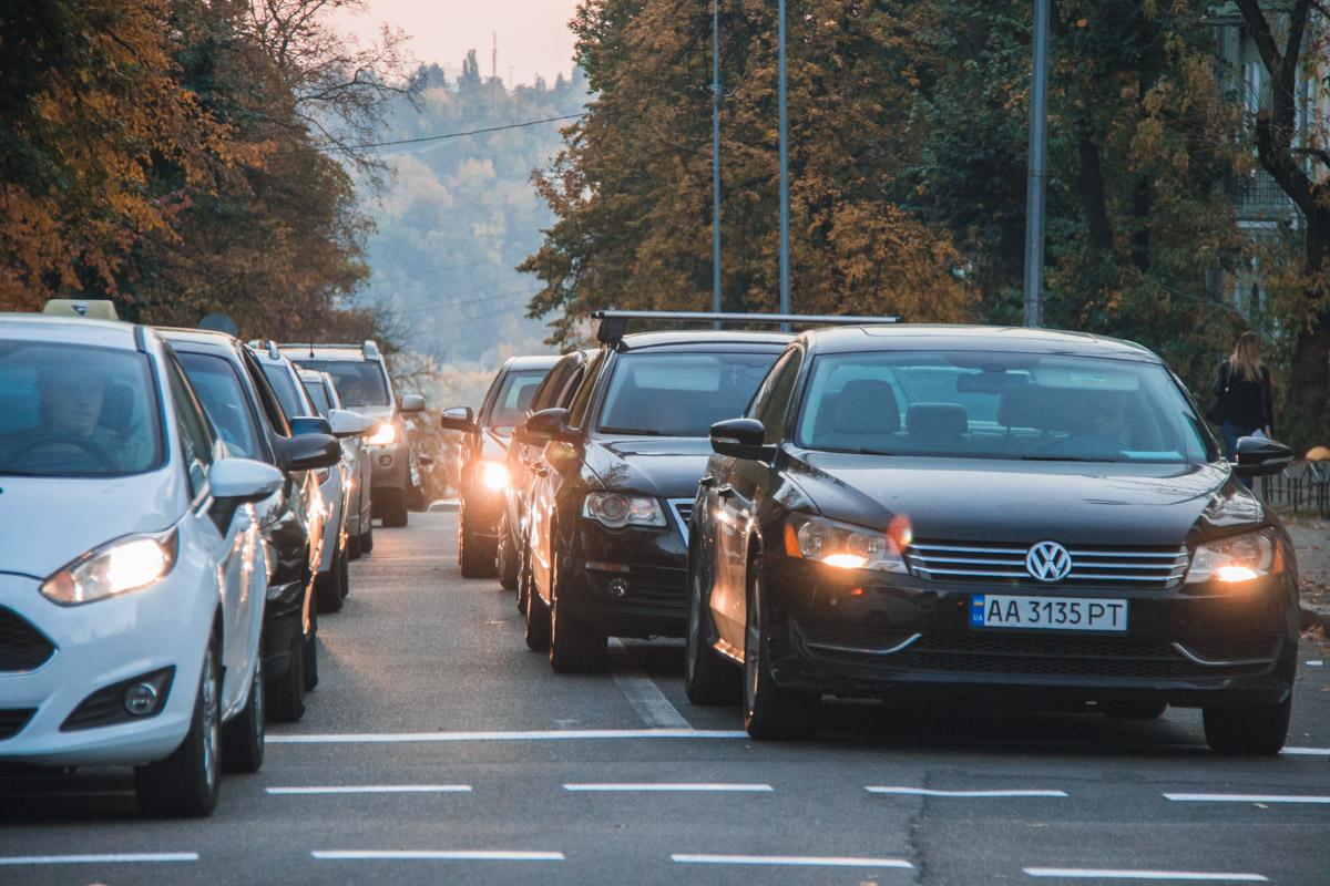 Движение в сторону улицы Тарасовской затруднилось, образовалась пробка