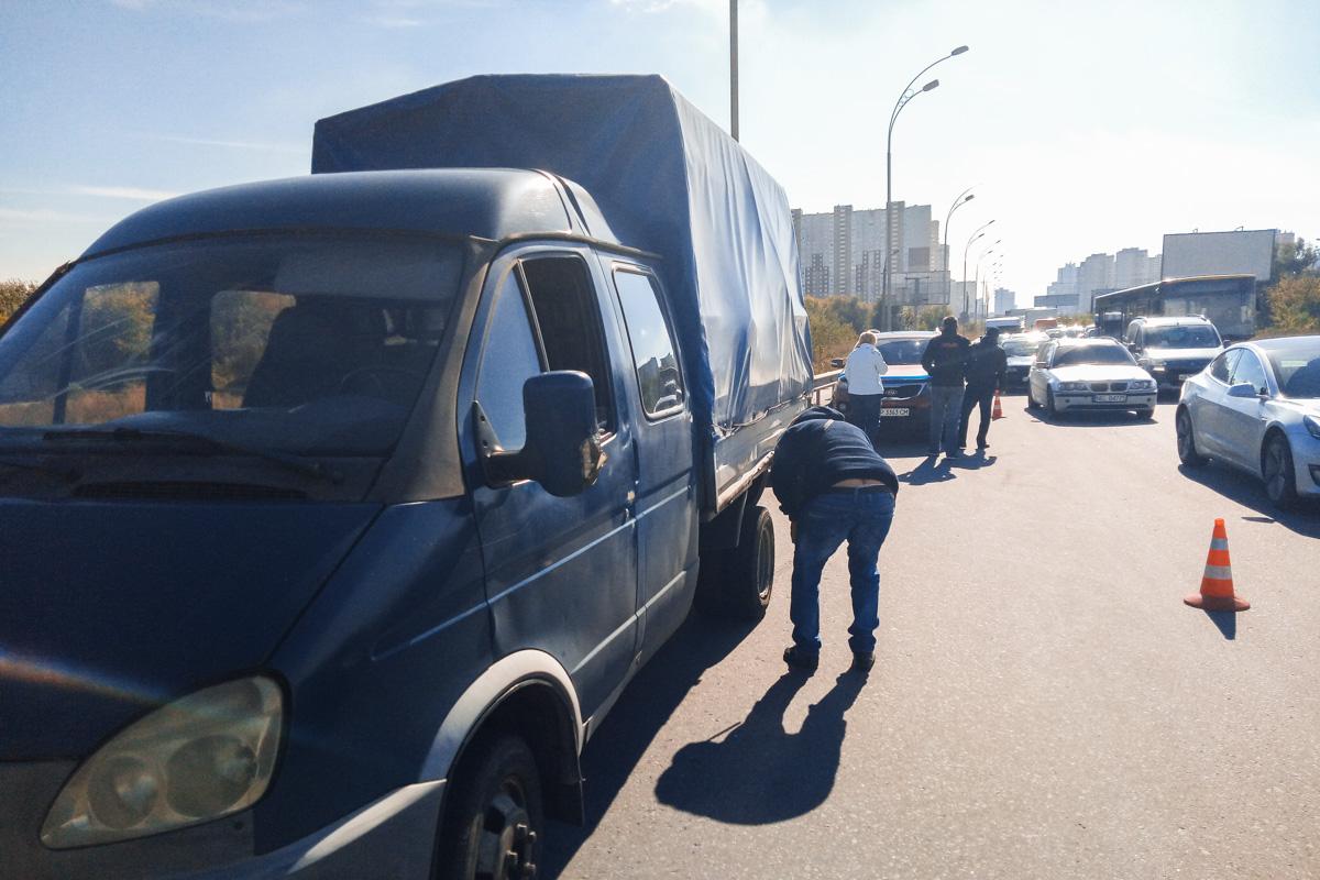 """Автомобили """"Газель"""" и KIA почти не повреждены, их водители не пострадали"""