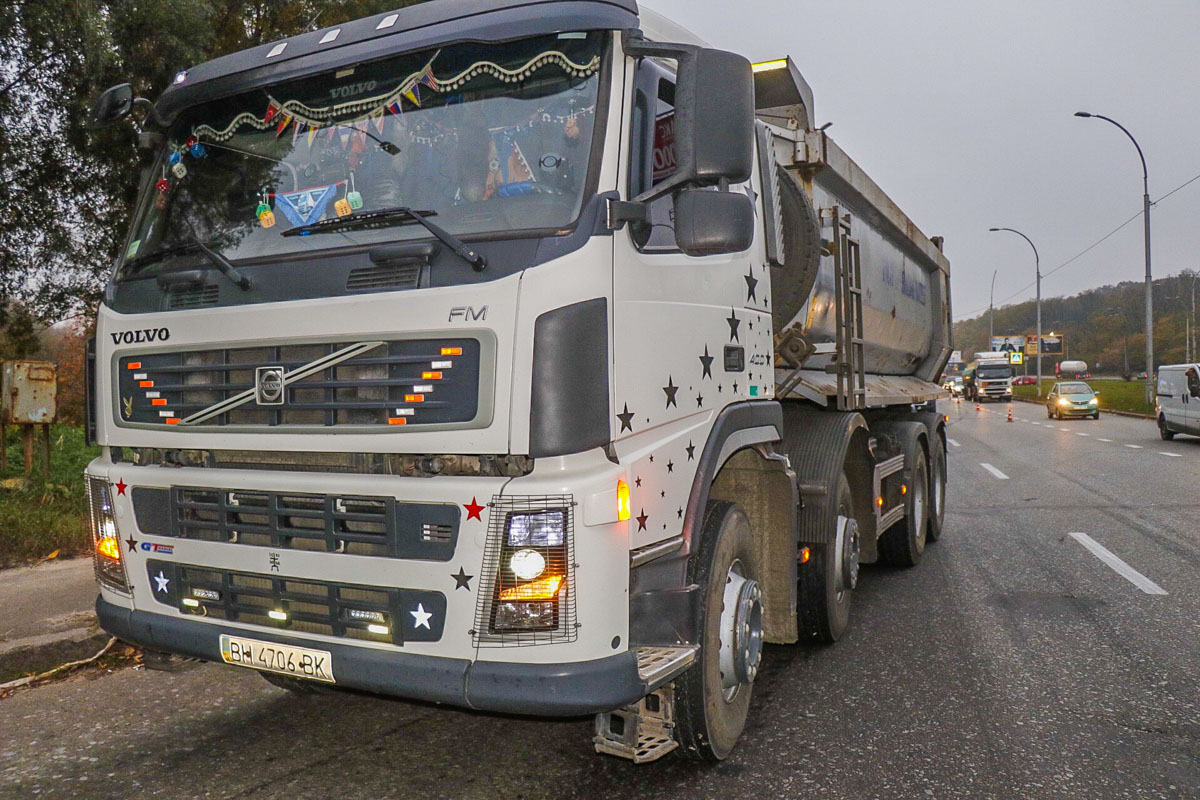 Из-за аварии на Заболотного в сторону Столичного шоссе образовалась масштабная пробка