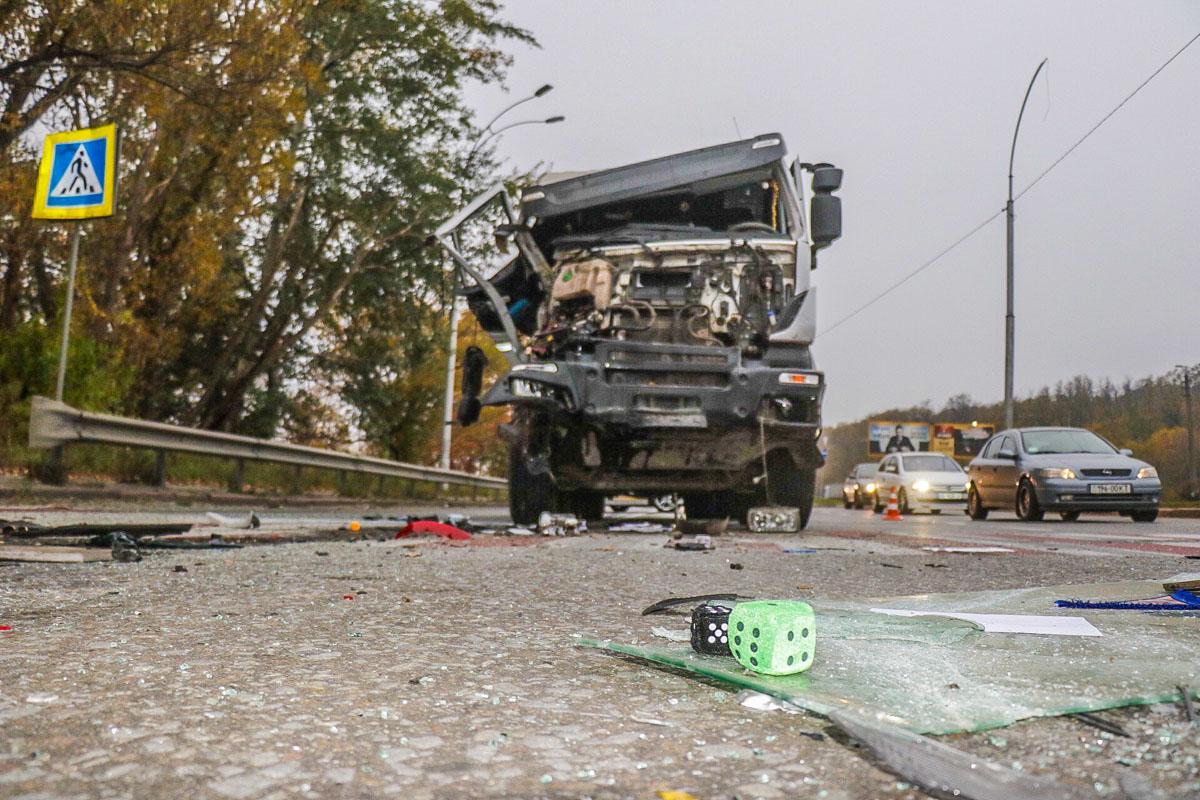 Водитель Iveco сказал полицейским, что заметил остановившиеся машины в самый последний момент