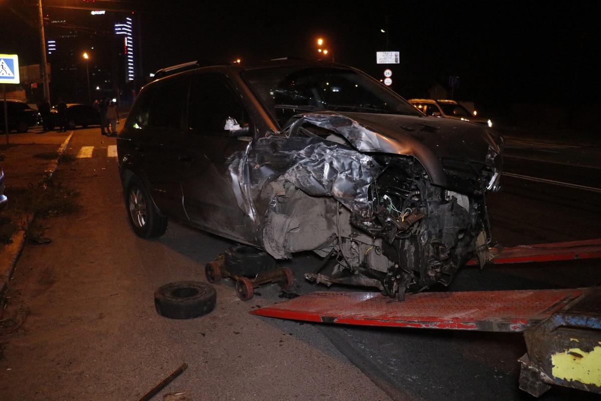 На Столичном шоссе столкнулись три автомобиля