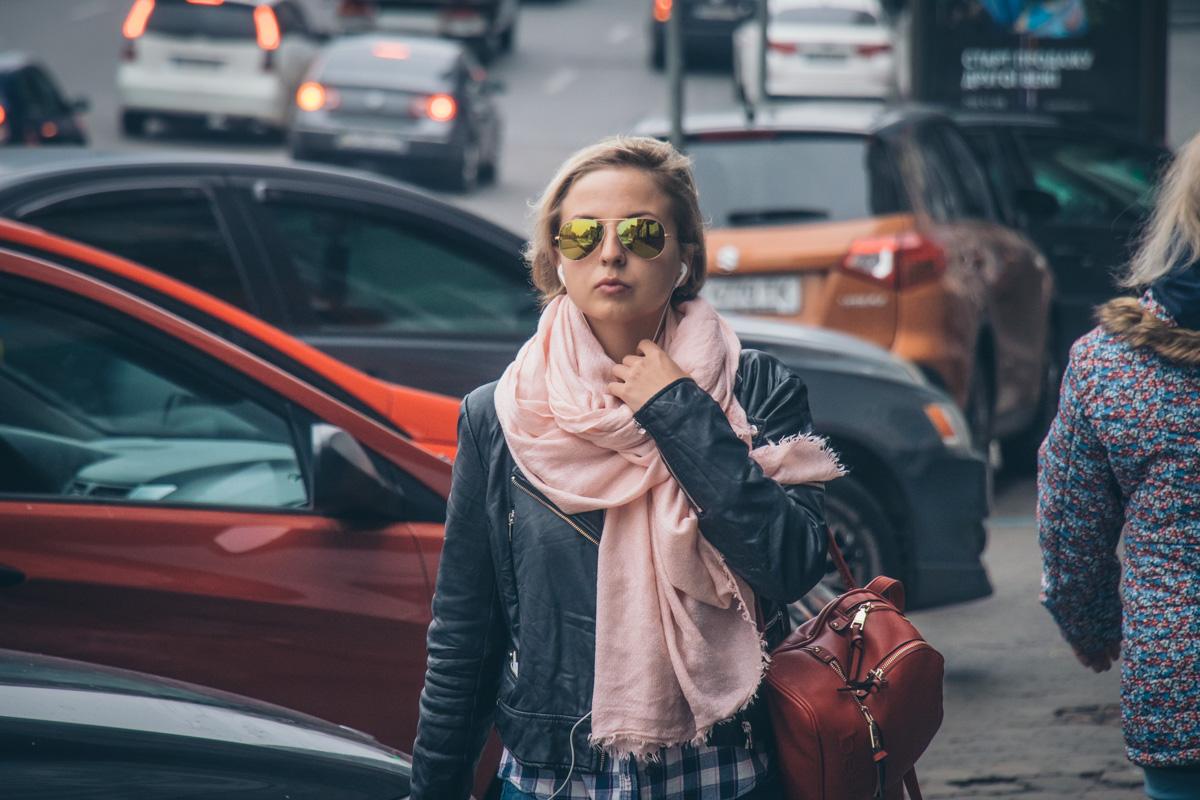 Когда ждала осень, чтобы стильно выглядеть в очках и шарфике