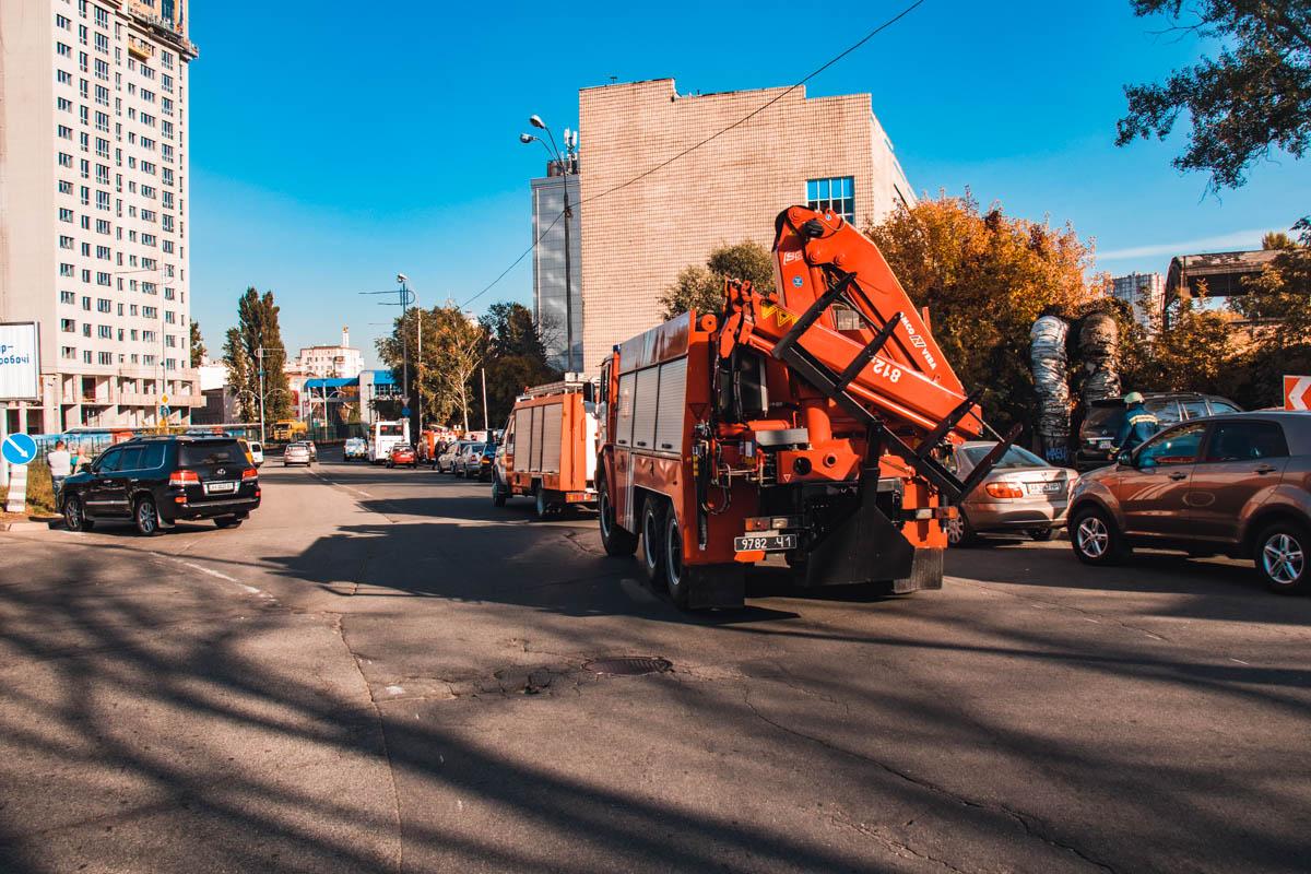 На происшествие прибыла специальная аварийно-спасательная пожарная машина , но использовать ее не пришлось