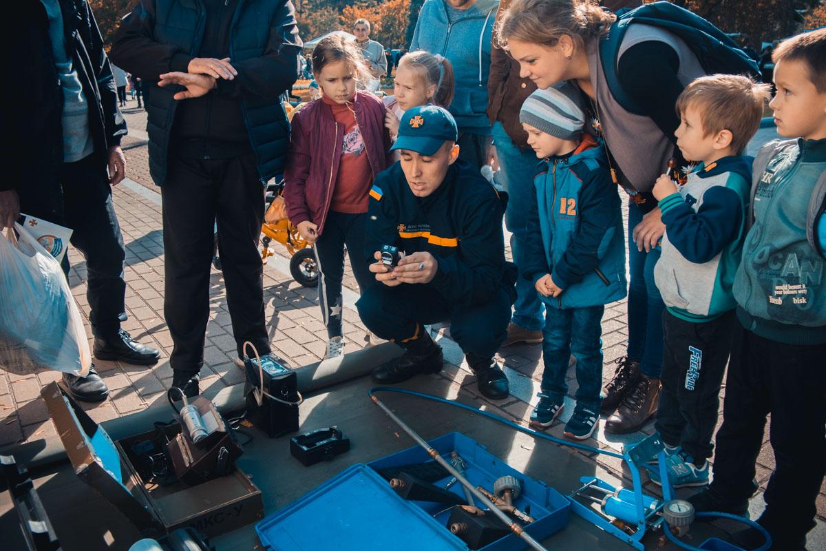Детям рассказывали об устройстве спецтехники