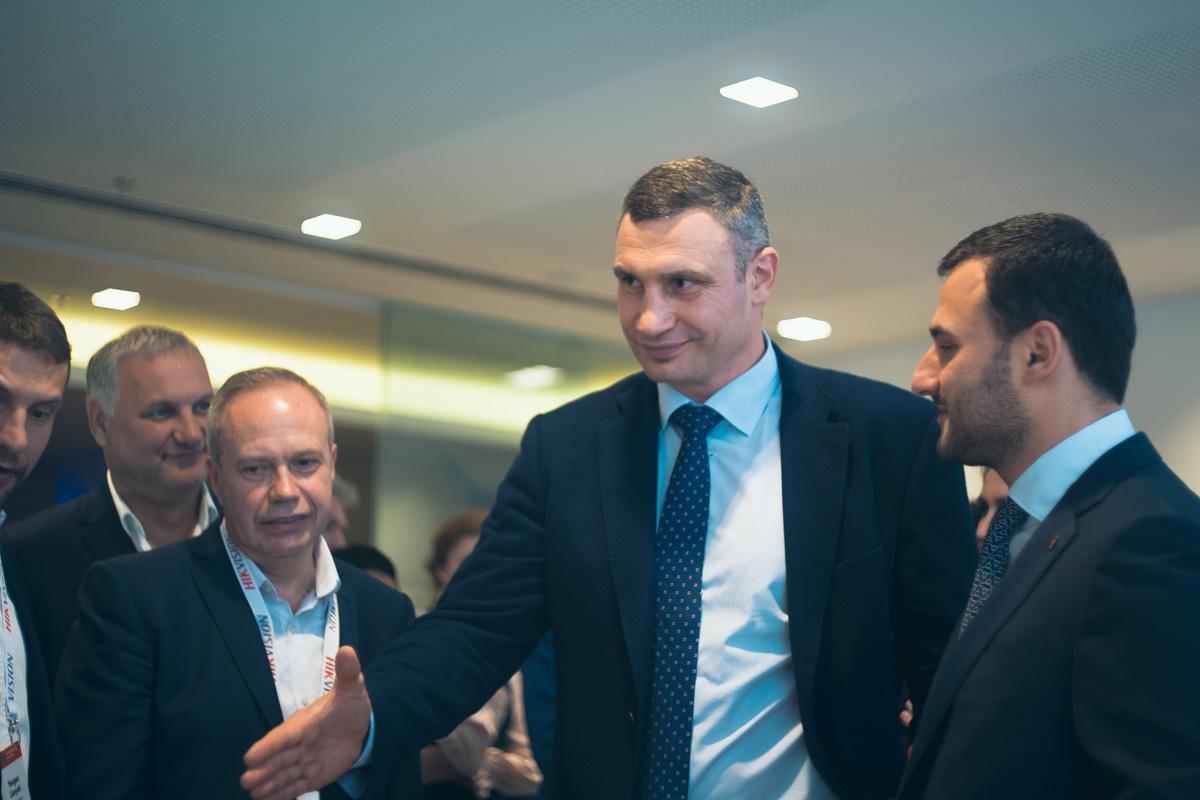Мэр Киева Виталий Кличко поблагодарил все города за участие и сказал, что очень гордиться талантливыми людьми-разработчиками