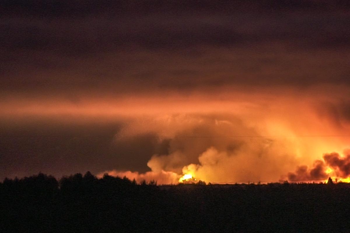 Взрывы разбудили все населенные пункты в округе