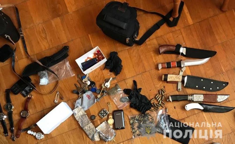 В Киеве правоохранители задержали банду преступников, которые занимались грабительством квартир