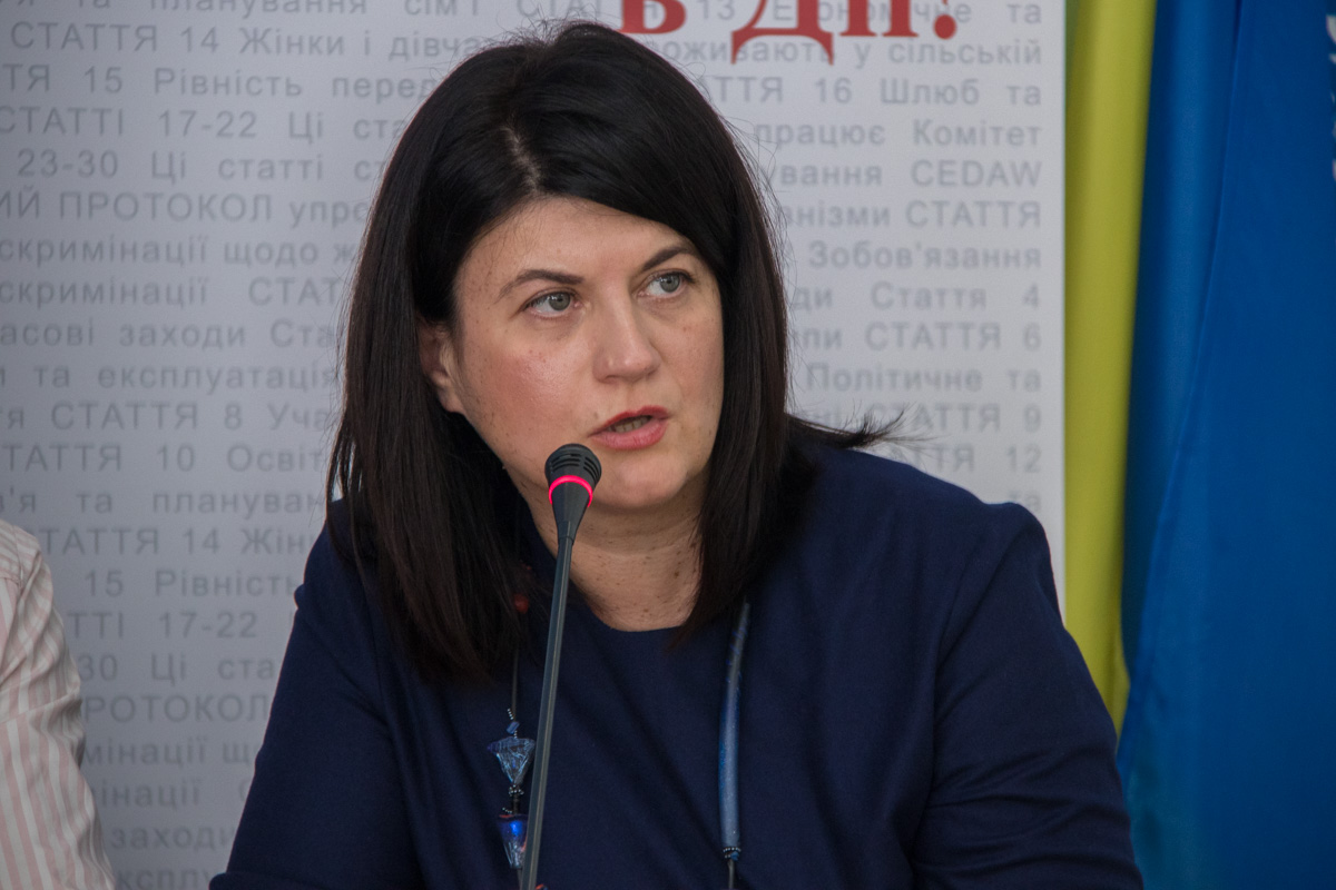 Лариса Денисенко - автор идеи социальной кампании #ЯзахищаюЇї