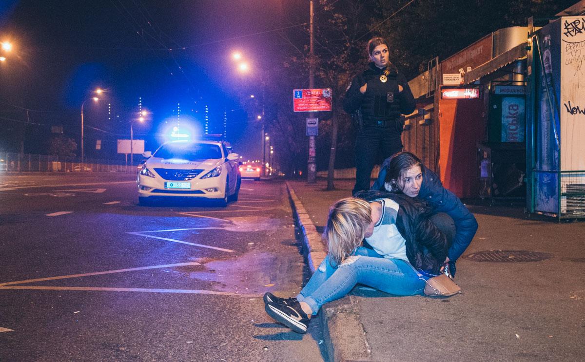Во время задержания молодые люди устроили драку с сотрудниками полиции