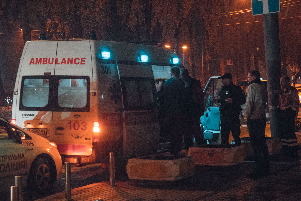 На месте происшествия работали сотрудники патрульной полиции, медики