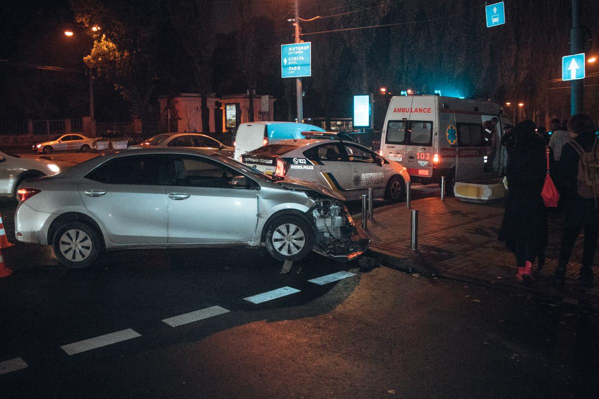 На пересечении бульвара Тараса Шевченко и улицы Леоонтовича произошло ДТП